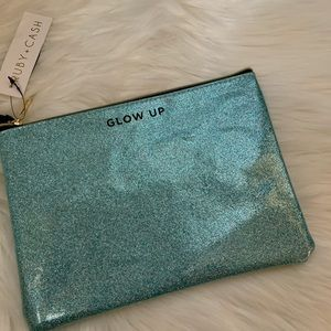 RUBY + CASH Large Blue Glitter Makeup Bag